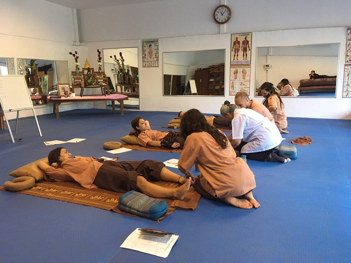 Short Thai Massage & Yoga Course – C&M Vocational School Koh